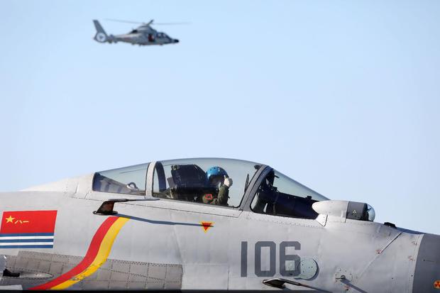 j-15-pilot.jpg