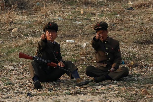 north-korea-soldiers.jpg