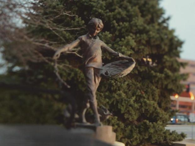 Thomas Hunter memorial statue