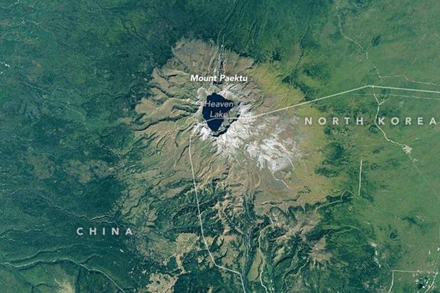 north-korea-mythological-mountain.jpg