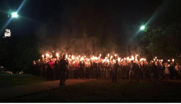 protest-vs-rmeoivng-robert-e-lee-statue-in-charlottesville-va-051317.jpg