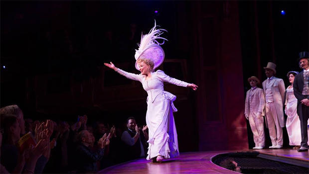 bette-midler-hello-dolly-julieta-cervantes-applause-620.jpg