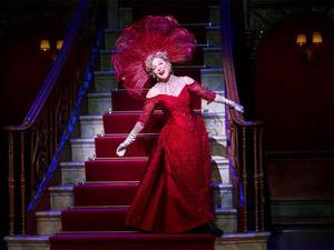 "The divine Bette Midler returns in ""Hello, Dolly!"""