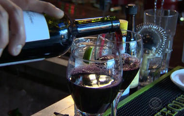 Report finds link between daily glass of alcohol and breast cancer