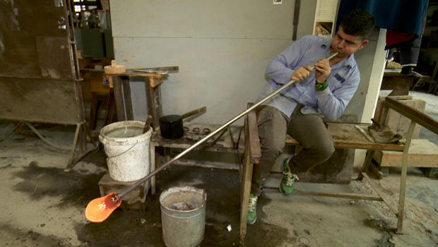 murano-glass-glassblower-620.jpg