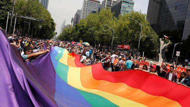 gay-pride-parades-2017-06-24t210003z-1414020310-rc1cee540a40-rtrmadp-3-mexico-lgbt-parade.jpg