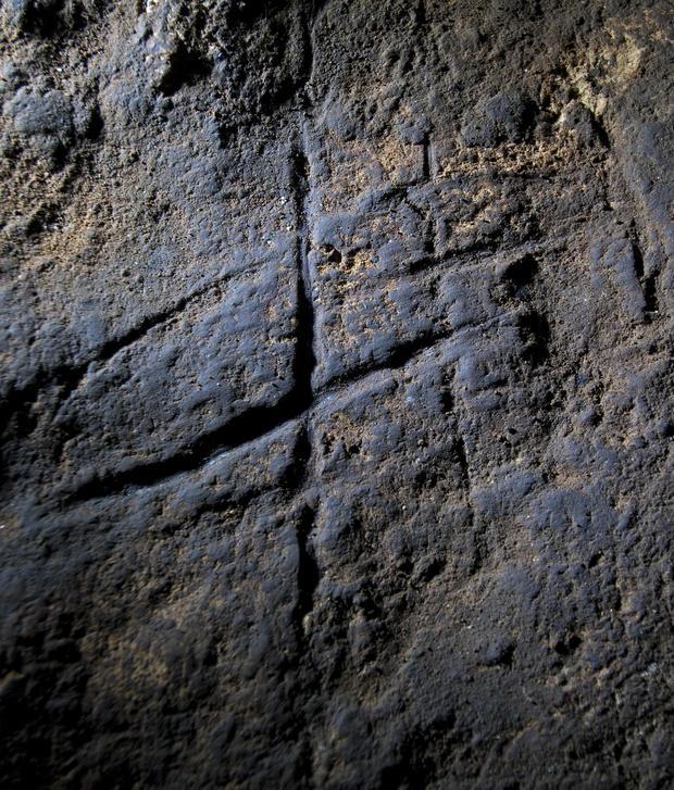 gorhams-cave-neanderthal-engraving-s-finlayson.jpg