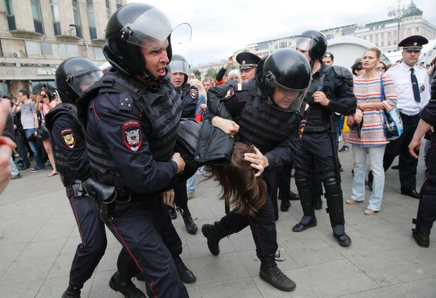 St  Petersburg - Hundreds arrested in Russia protests