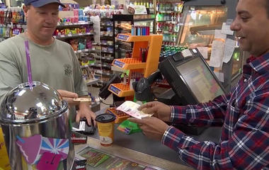 Powerball, Mega Millions prizes top $300 million for first time