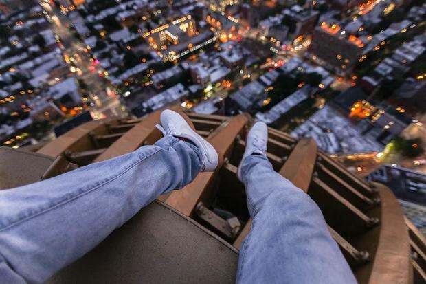 feet-on-1-hanson-1-night-1-of-11.jpg
