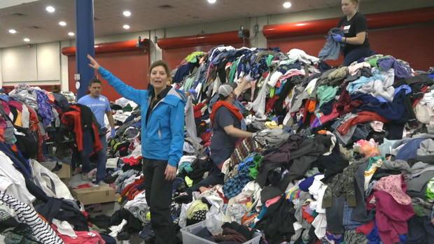 ctm-0830-houston-shelter-clothing-donations-norah-odonnell.jpg