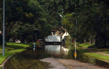 Death toll rises as waters recede in Houston