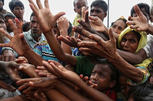 TOPSHOT-BANGLADESH-MYANMAR-UNREST-REFUGEE