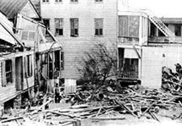 1893-sea-islands-hurricane-damaged-houses.jpg