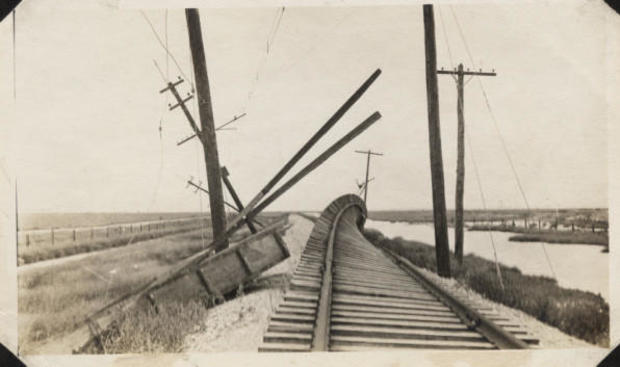 wreckage-of-interurban-tracks-at-virginia-point.jpg