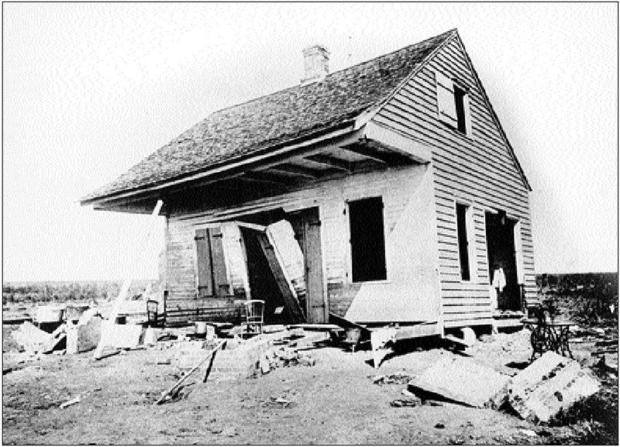 800px-1893-cheniere-caminada-hurricane-damaged-house.jpg