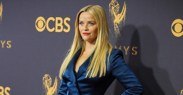 porno Reese Witherspoon meilleures amies expérimenter avec le sexe lesbien