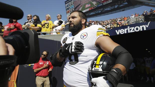 Steelers alejandro villanueva doesnt join anthem protest cbs news m4hsunfo