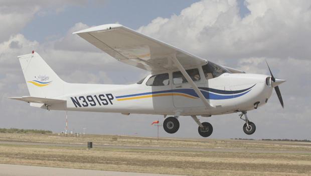 general-aviation-plane-registration-number-620.jpg