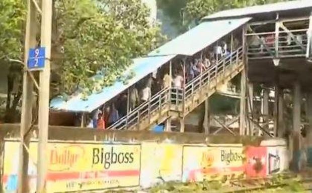 india-bridge-stampede.jpg