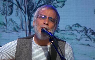 """Saturday Sessions: Yusuf / Cat Stevens performs """"Blackness of the Night"""""""
