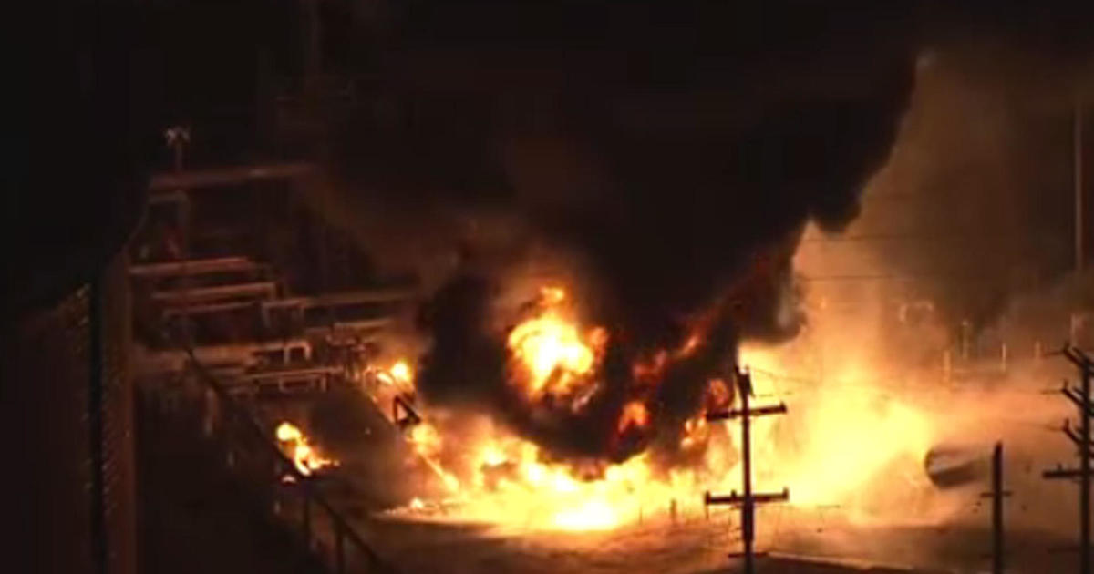 Chevron Gas Prices >> Fire at huge oil refinery may impact SoCal gas prices ...