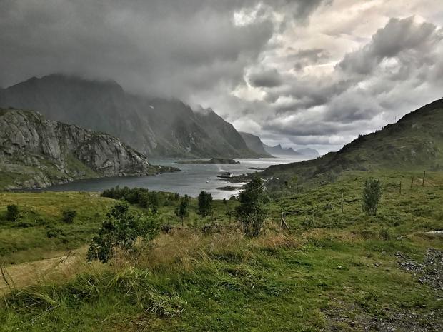 lofoten-islands-norway-arctic-circle.jpg
