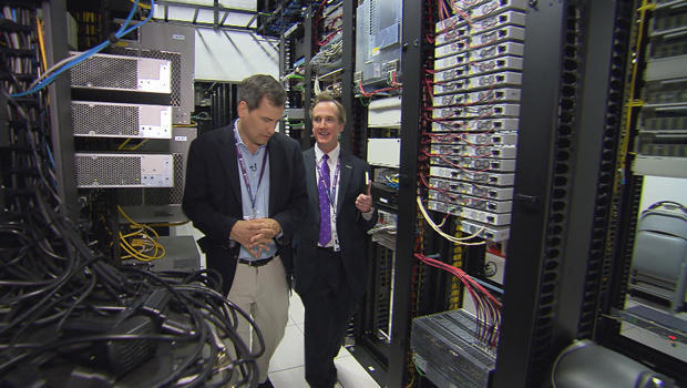 cloud-computing-david-pogue-data-center-620.jpg