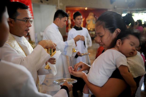 PHILIPPINES-VOTE-RELIGION-CATHOLIC