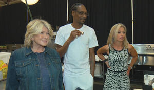 """Martha Stewart: Prison time gave me """"street cred"""" with TV cohost Snoop Dogg"""