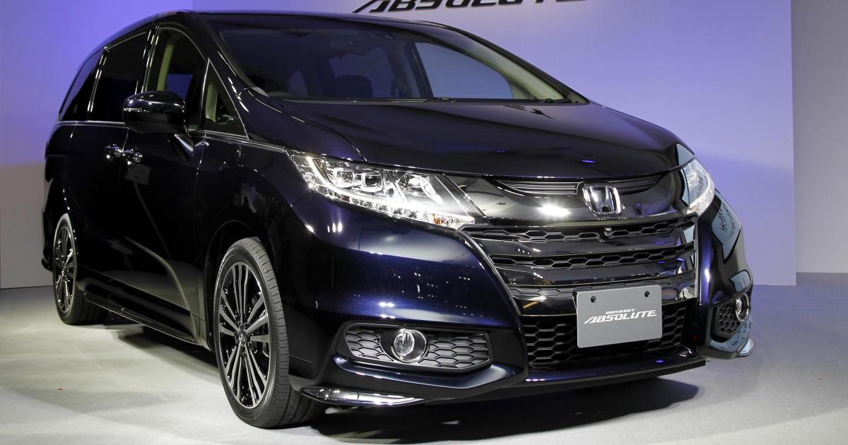 Honda Recalls 900 000 Odyssey Minivans Cbs News