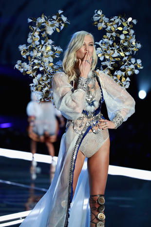 2017 Victoria's Secret Fashion Show