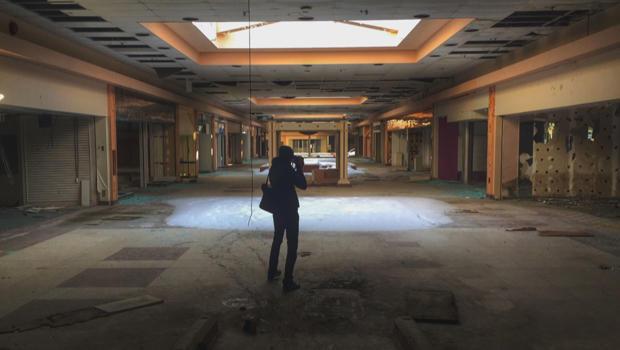abandoned-mall-seph-lawless.jpg