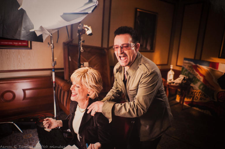 21-bono-with-lesley-shoulder-massage.jpg