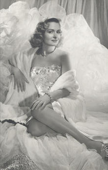 donna-reed-1940-glamour-shot-244.jpg