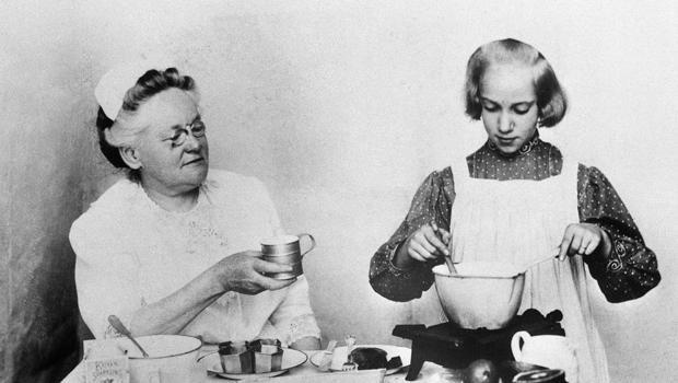 Fannie Farmer Watches Student Cook