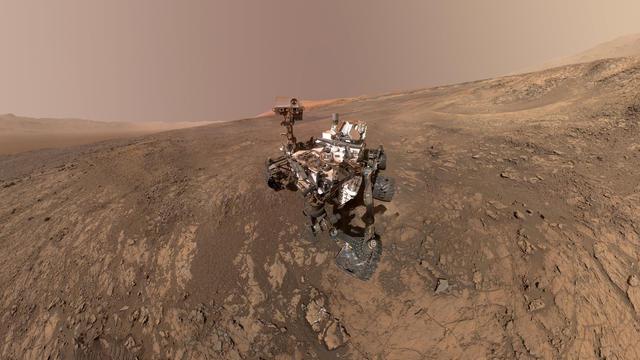 Space Mars Rover Selfies