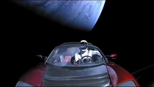 SpaceX's Mars-bound Tesla's out-of-this-world view - CBS News