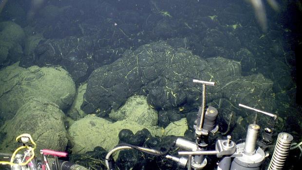 Global wave of underwater volcanoes helped kill off dinosaurs