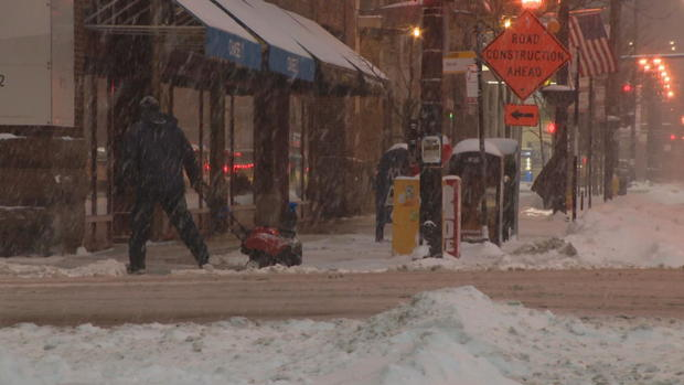 1 2 7 3 Down The Rockefeller Street: Stroll Down State Street In Chicago Becomes Arctic