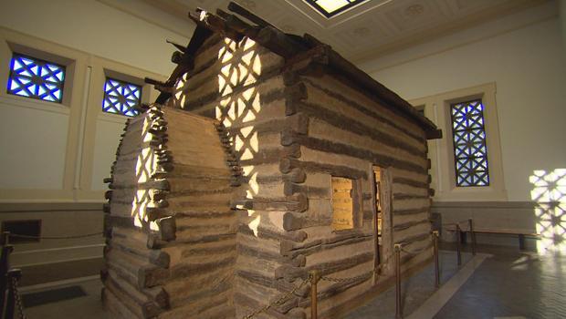 abraham-lincoln-birthplace-symbolic-cabin-620.jpg