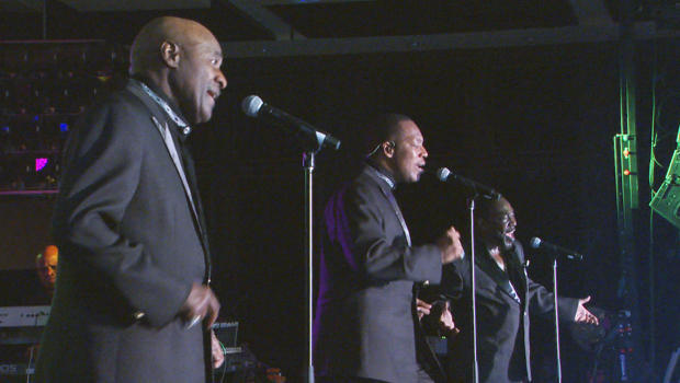 the-ojays-perform-620.jpg