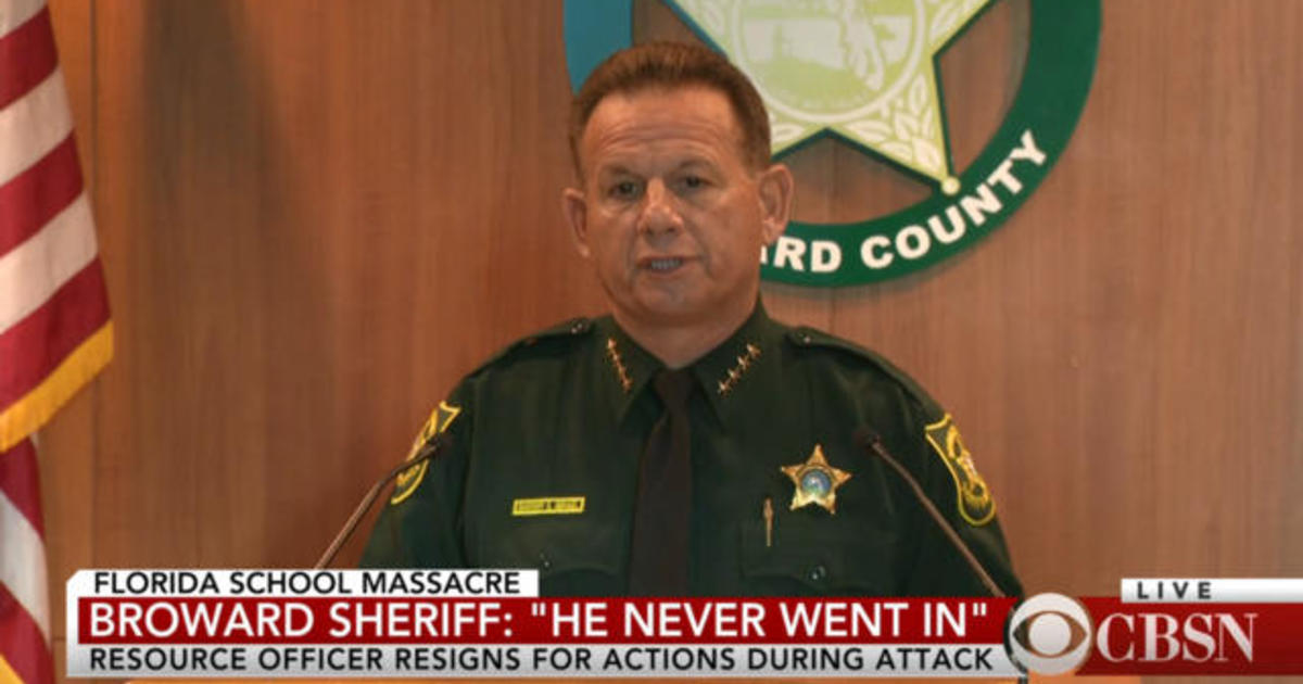 Florida sheriff says armed deputy never entered school during shooting