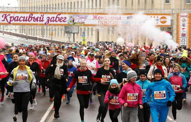 """Women participate in the """"Beauty Run"""" to mark International Women's Day in Minsk"""