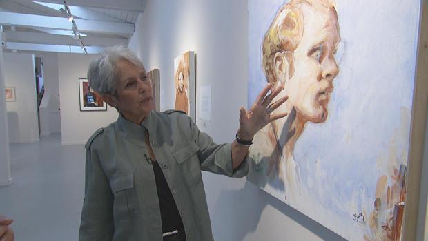 joan-baez-with-painting-of-david-harris-620.jpg