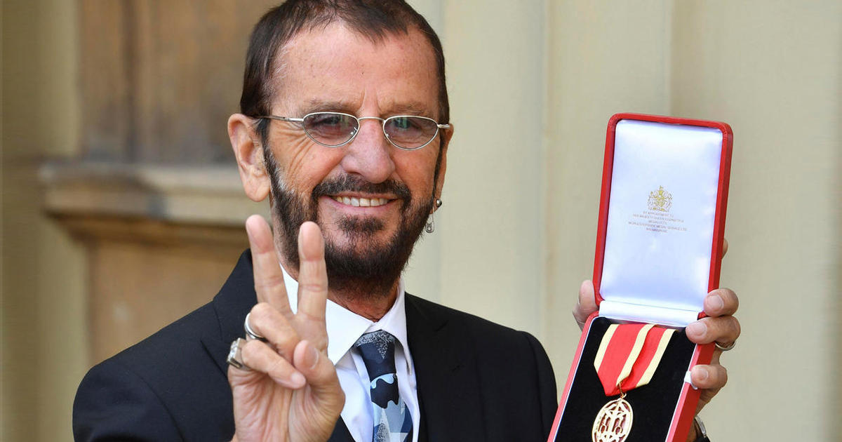 Ringo Starr knighted by Prince William