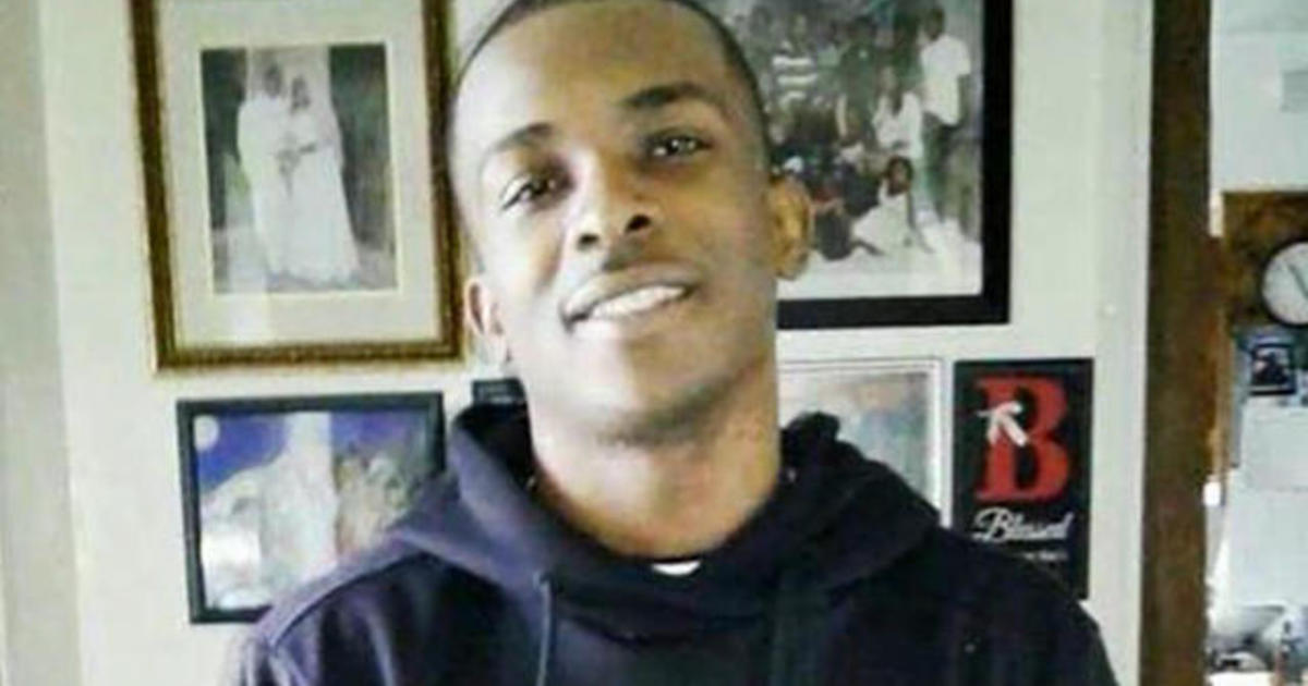 Stephon Clark decision: No charges against 2 police officers in fatal shooting, DA announced today - live updates - CBS News thumbnail