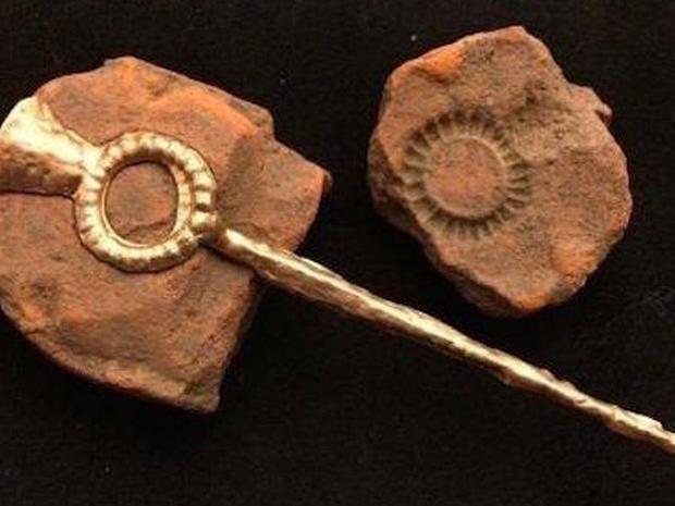 ring-headed-pin-molds.jpg