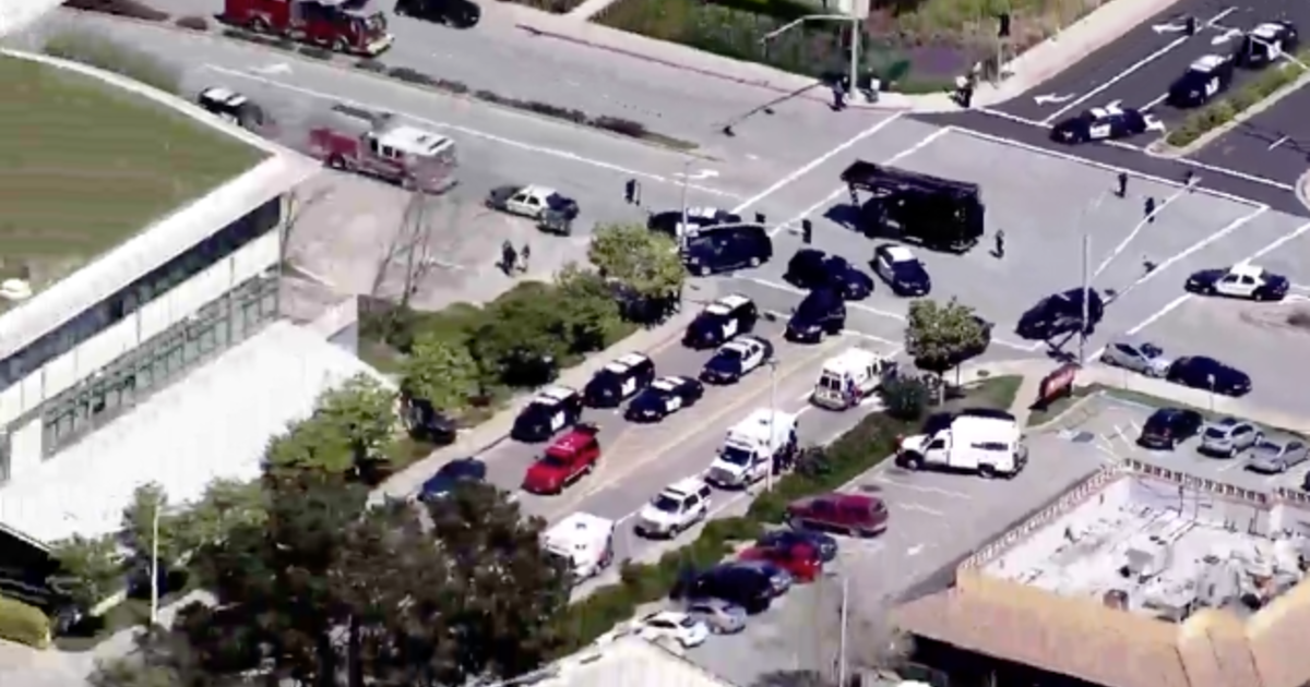 https://www.cbsnews.com/news/police-respond-youtube-possible-shooter-today-2018-04-03-live-updates/