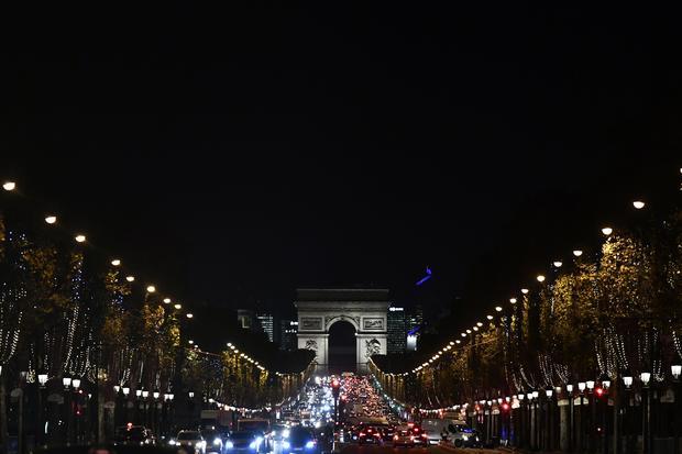 FRANCE-HOLIDAYS-TOURISM-CHRISTMAS-LIGHTS